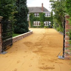 Block paving driveway - sharp sand, levelled and compacted