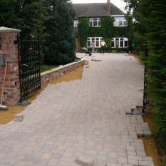 Block paving driveway - laying and cutting in