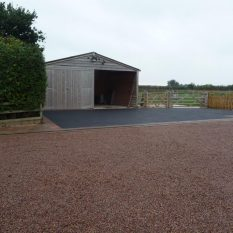 Gravel Driveways - Sussex shingle with graphite